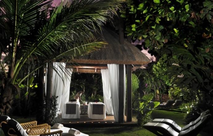spa-garden-cabana-700x450